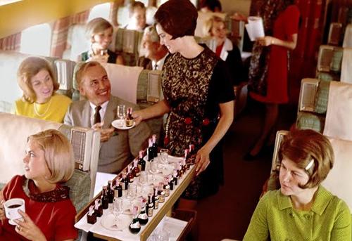关于飞机上的葡萄酒