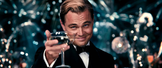 黄金时代的香槟幻梦 ——从《了不起的盖茨比》中看杯酒人生