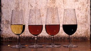 西班牙雪利酒的酿制过程