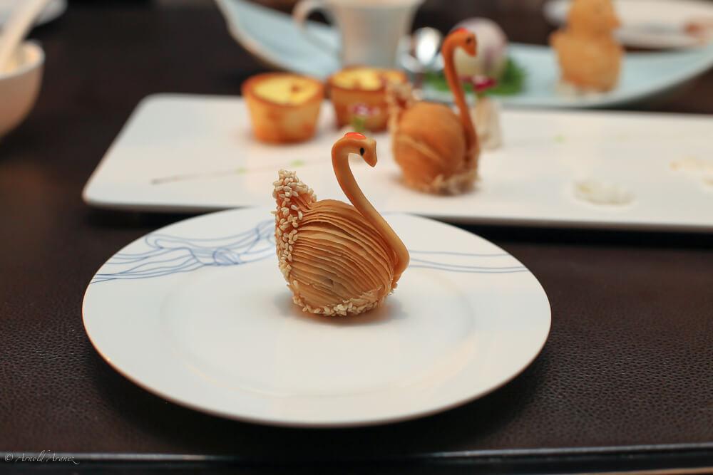 """米其林今日于广州发布了2019广州米其林指南。广州文华东方酒店的粤菜""""江""""今年荣升2星,成为广州唯一的2星餐厅。"""
