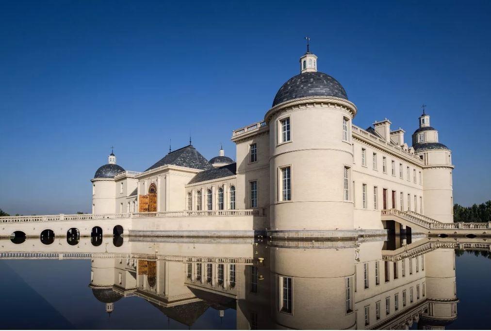 據稱,這是世界上第一批以法國橡木桶陳年的赤霞珠干白葡萄酒。