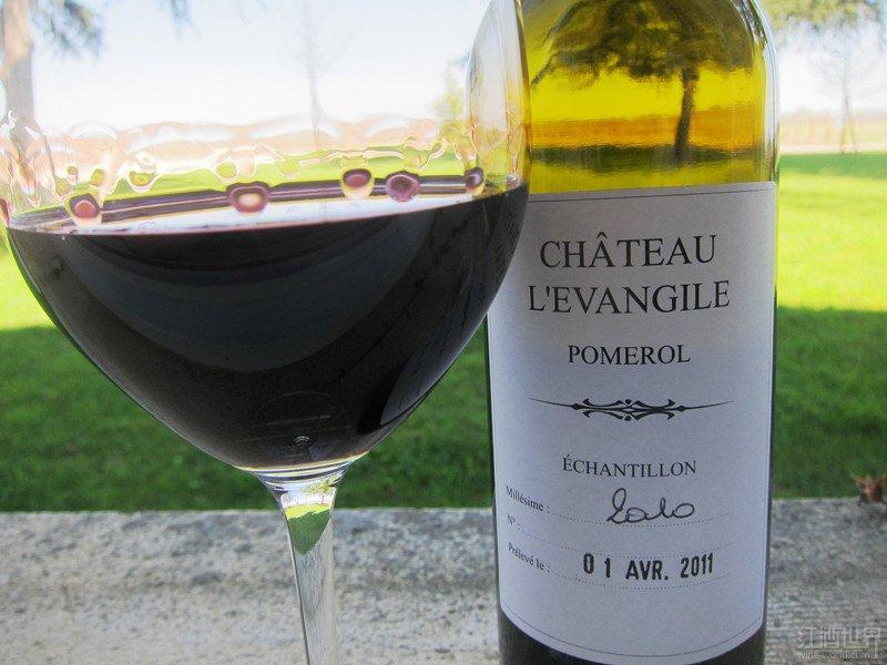 2010年份乐王吉堡干红葡萄酒价格创新低