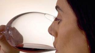 葡萄酒杯如何做到人性化?